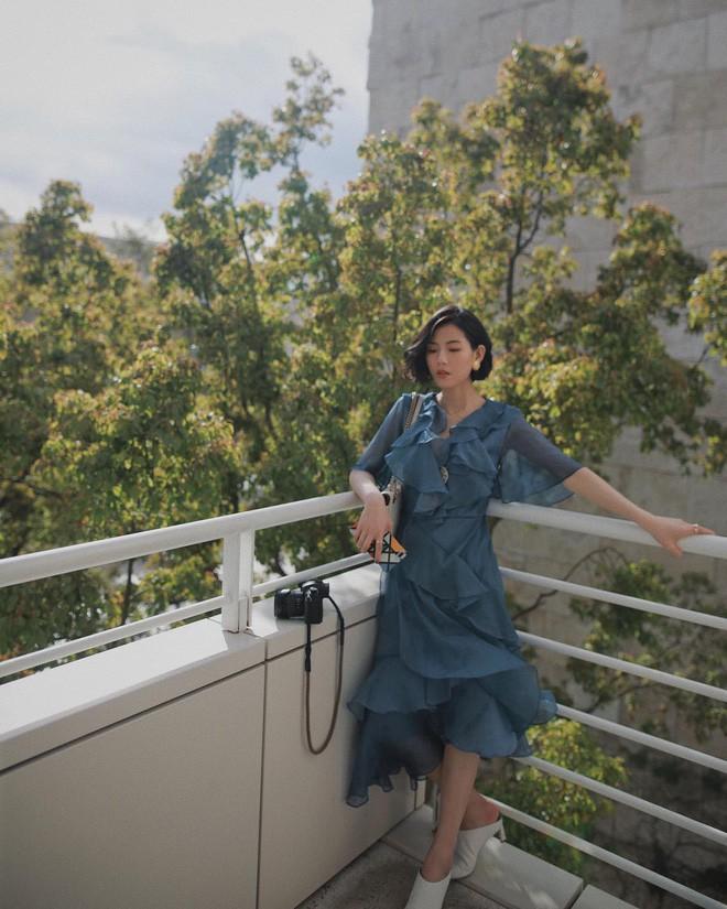 Các quý cô châu Á thi nhau khoe chân dài, eo thon trong loạt street style đầu hè - Ảnh 1.