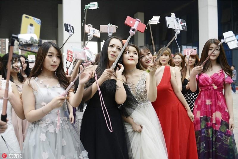 Thăm thú lò đào tạo hotgirl mạng xã hội lớn nhất xứ Hoa: Chả thấy học gì, chỉ thấy selfie - Ảnh 3.