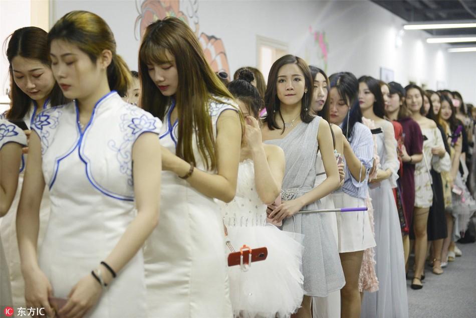Thăm thú lò đào tạo hotgirl mạng xã hội lớn nhất xứ Hoa: Chả thấy học gì, chỉ thấy selfie - Ảnh 4.