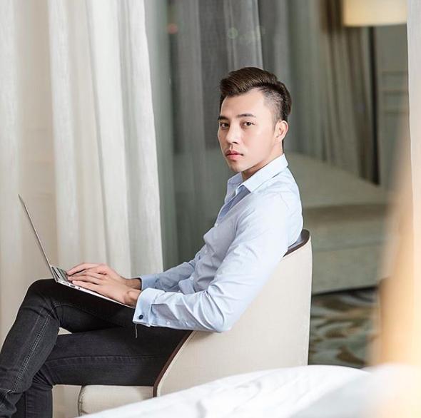 Ai mà ngờ, quản lý của Quỳnh Anh Shyn cũng đẹp trai và sang chảnh chẳng kém gì hot boy! - Ảnh 16.