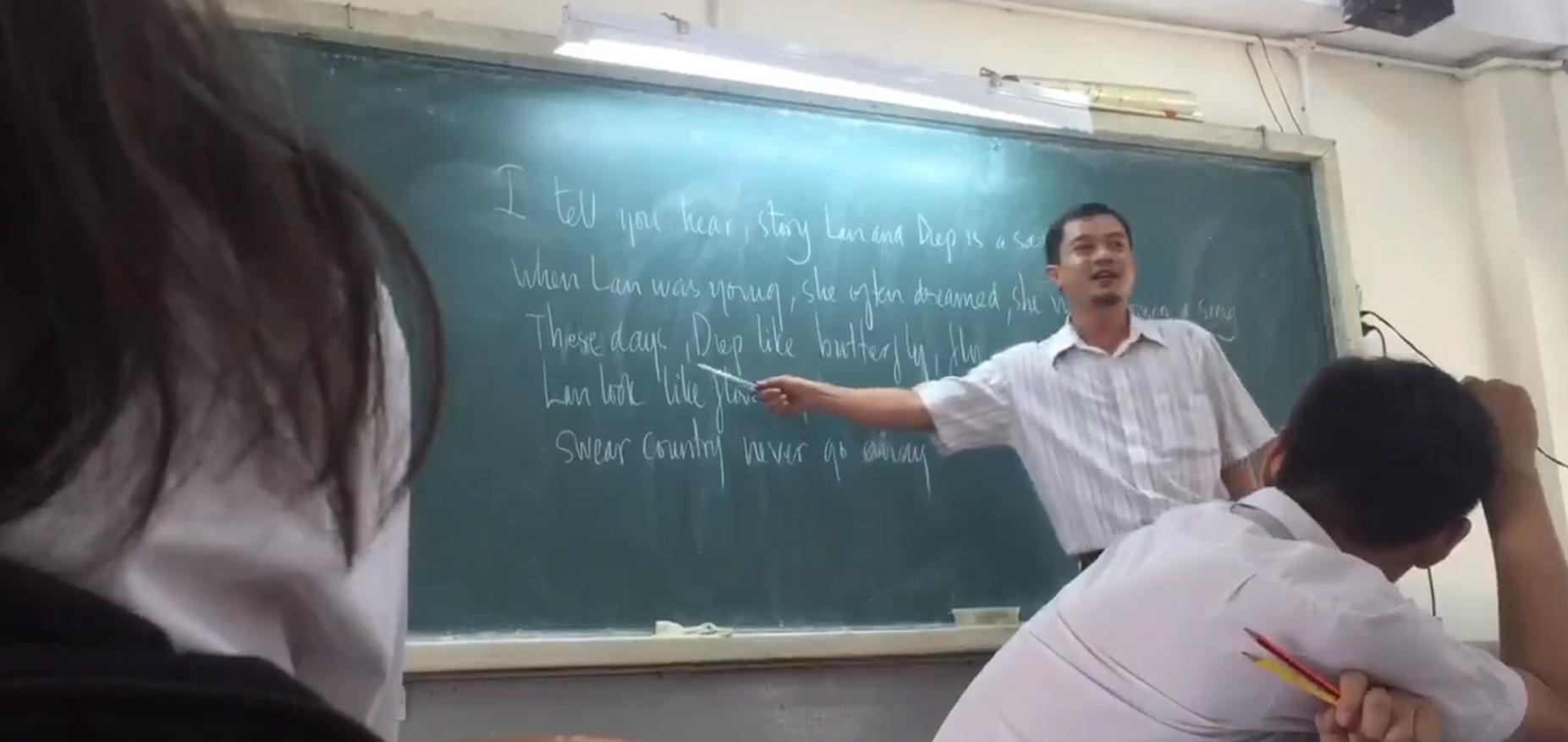 Thầy giáo dạy tiếng Anh theo phong cách Tài Smile cực bá đạo khiến dân mạng thích thú - Ảnh 2.