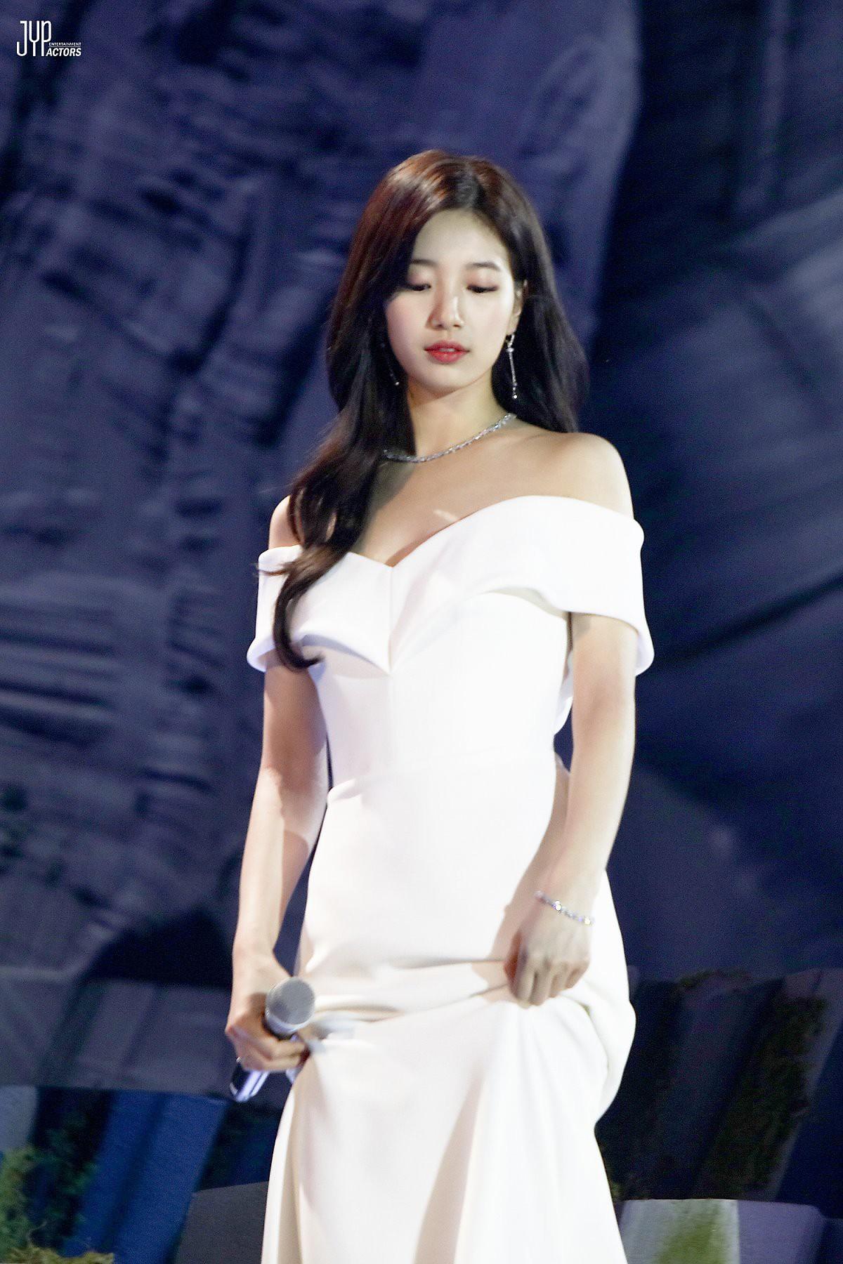 Hình hậu trường nóng hổi của Suzy tại Baeksang: Sải bước ở hầm để xe mà sang như bà hoàng, đẹp hơn cả đi thảm đỏ - Ảnh 13.
