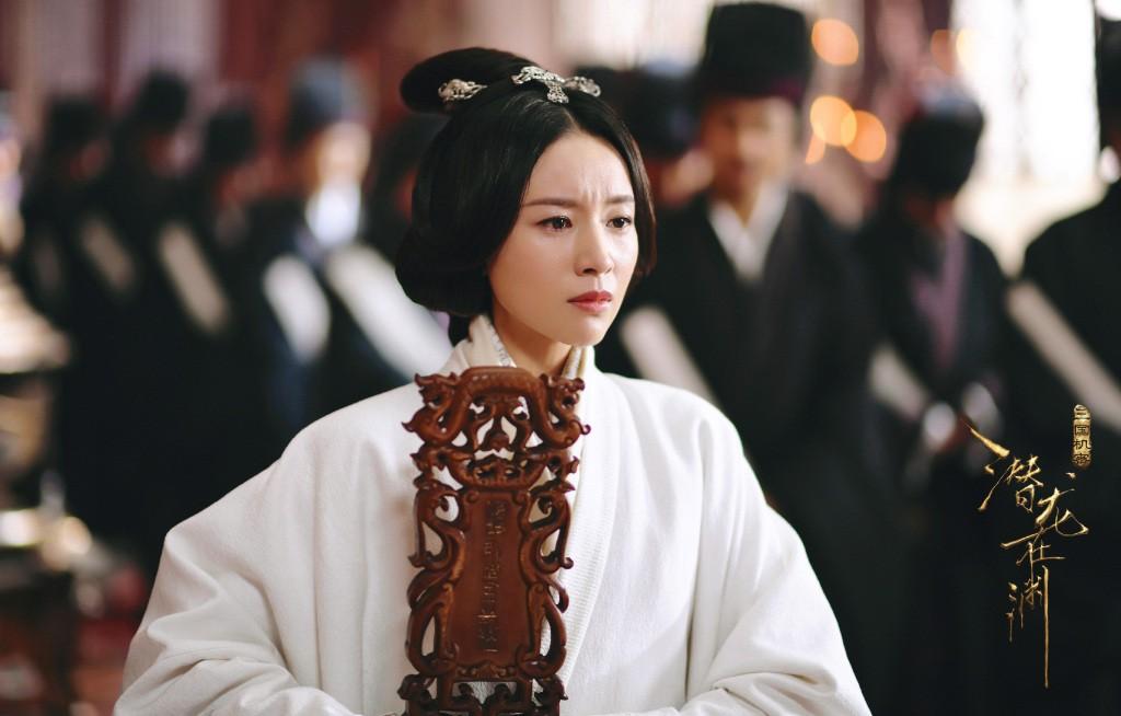 Hậu scandal ngoại tình, Bạch Bách Hà - Đổng Khiết chật vật trở lại màn ảnh nhỏ - Ảnh 10.