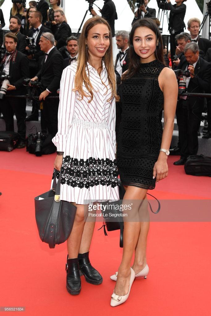 Thêm trò lố tại LHP Cannes: Hoa hậu Pakistan khoe ngực, đeo dải băng và đội vương miện vì sợ không ai nhận ra - Ảnh 5.