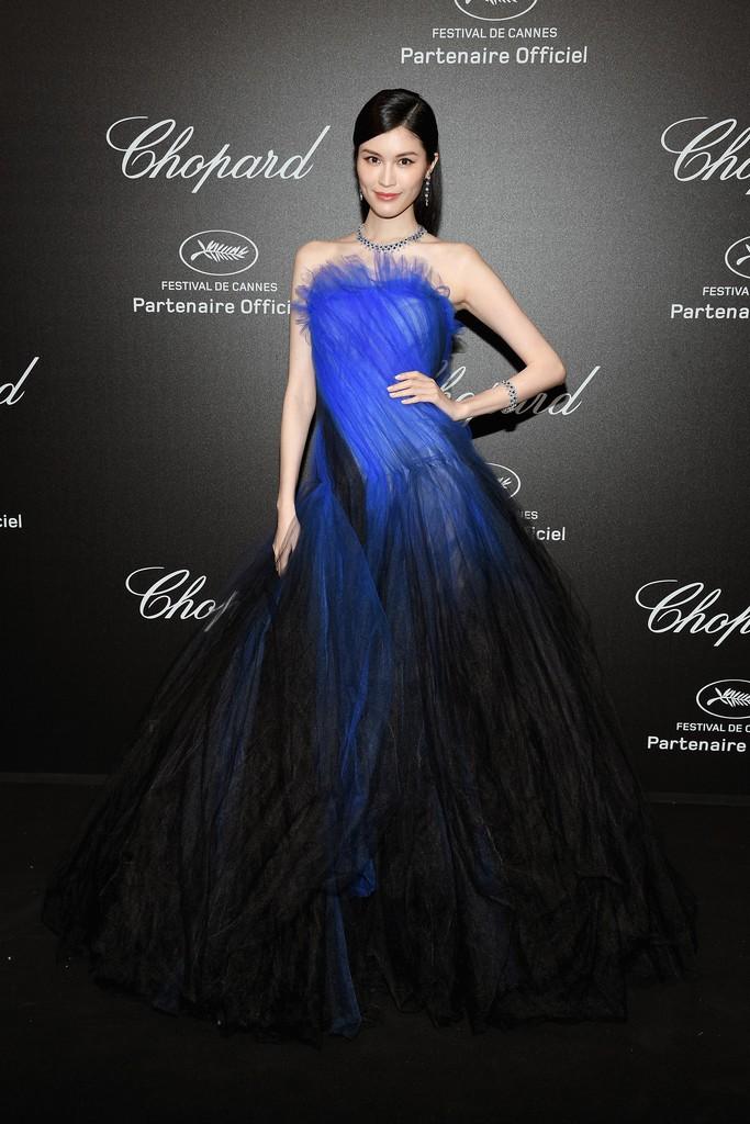 Tiệc tối LHP Cannes: Irina Shayk lộ vùng kín, Quan Hiểu Đồng khoe da trắng bật tông giữa dàn sao quốc tế - Ảnh 7.
