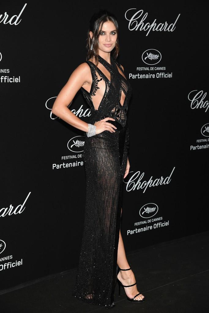 Tiệc tối LHP Cannes: Irina Shayk lộ vùng kín, Quan Hiểu Đồng khoe da trắng bật tông giữa dàn sao quốc tế - Ảnh 12.