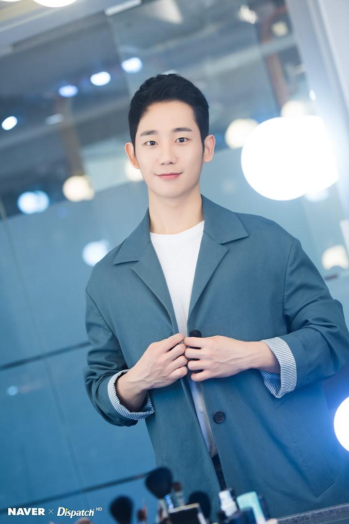 Dispatch tung bộ ảnh zoom đến từng lỗ chân lông của Jung Hae In: Đẳng cấp mỹ nam khiến chị đẹp mê mẩn là đây? - Ảnh 16.