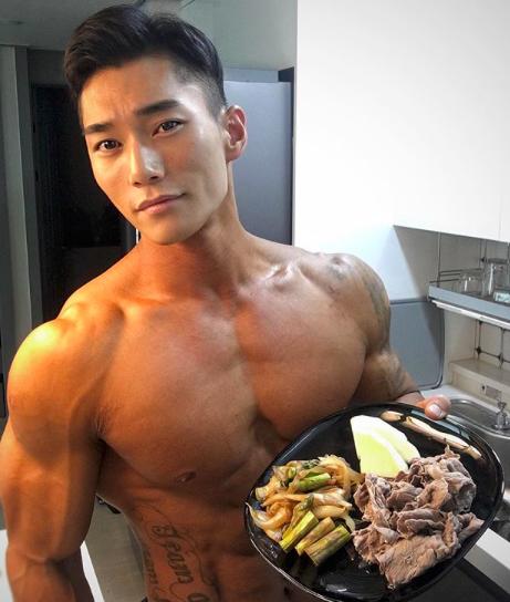 Muốn có động lực tập gym, hãy nhìn sự lột xác của soái ca Hàn Quốc này - Ảnh 7.