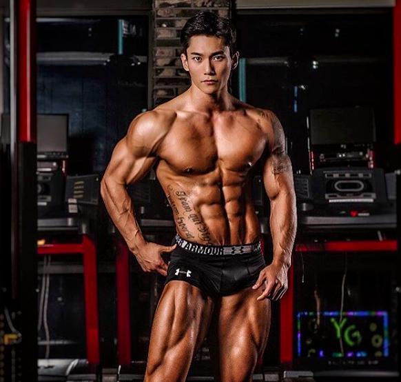 Muốn có động lực tập gym, hãy nhìn sự lột xác của soái ca Hàn Quốc này - Ảnh 4.