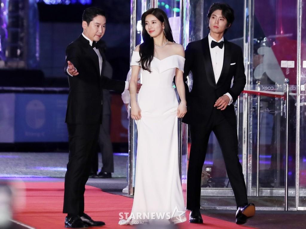 Hình hậu trường nóng hổi của Suzy tại Baeksang: Sải bước ở hầm để xe mà sang như bà hoàng, đẹp hơn cả đi thảm đỏ - Ảnh 30.