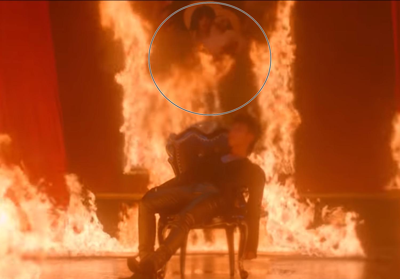 """Vụ ồn ào về hình ảnh đốt tranh Đức Mẹ sầu bi trong MV mới của Sơn Tùng M-TP: """"Đây là trách nhiệm của chính người đã làm ra MV này"""" - Ảnh 2."""