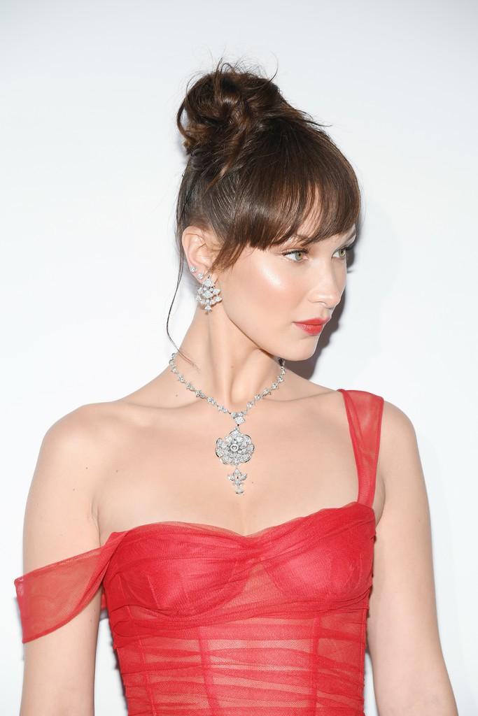 Tiệc tối LHP Cannes: Bella Hadid ngày càng nâng tầm nhan sắc, đọ vẻ xinh đẹp với sao Mỹ nhân tâm kế - Ảnh 3.