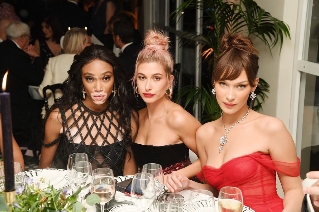 Tiệc tối LHP Cannes: Bella Hadid ngày càng nâng tầm nhan sắc, đọ vẻ xinh đẹp với sao Mỹ nhân tâm kế - Ảnh 11.