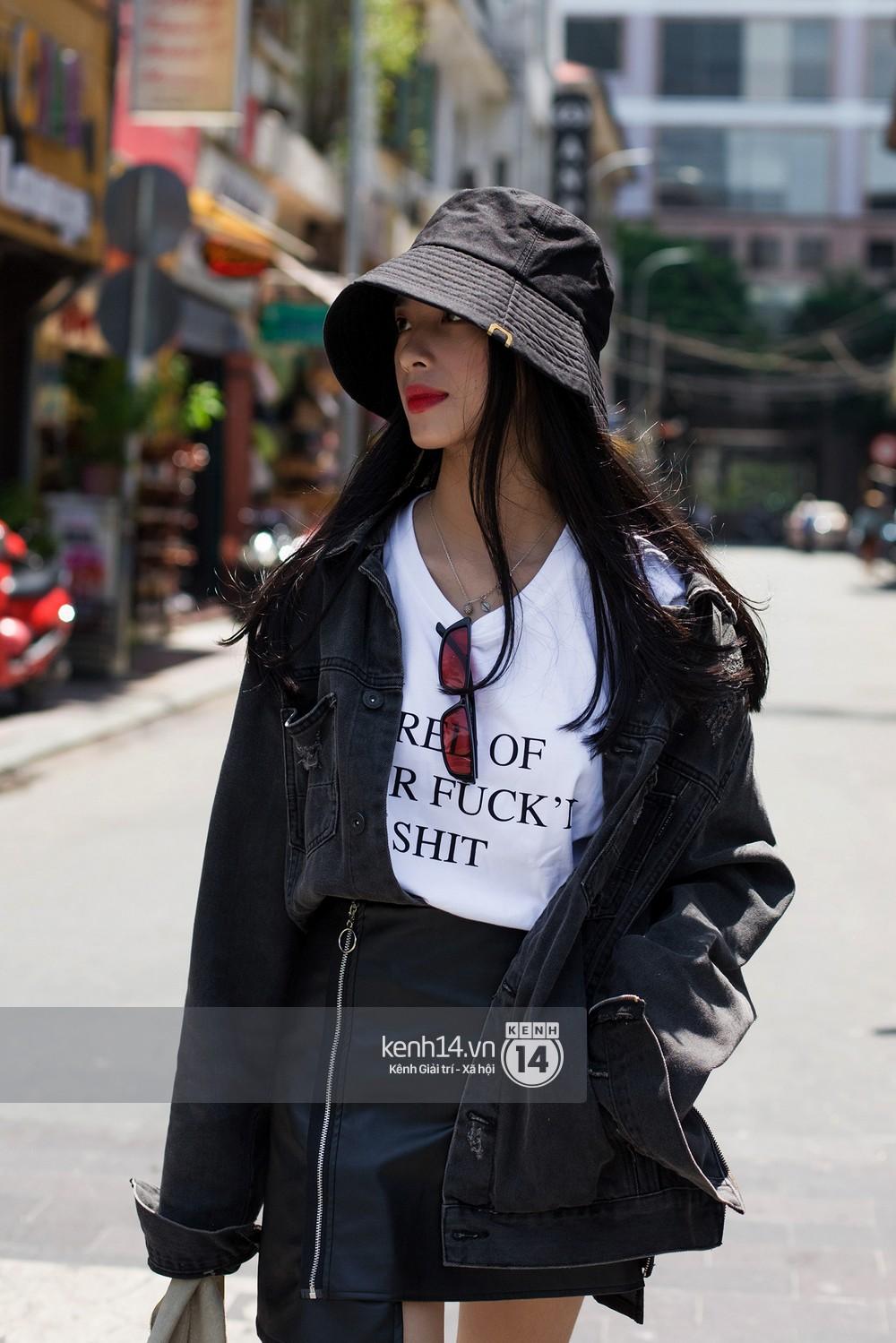 Street style giới trẻ Việt: Hà Nội toàn áo 2 dây và xuyên thấu mát mẻ; Sài Gòn vẫn điệp khúc càng ấm càng chất - Ảnh 14.