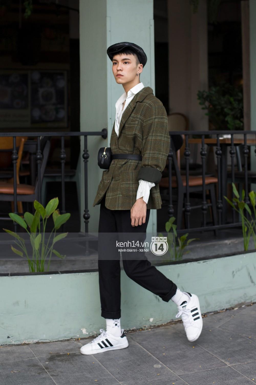 Street style giới trẻ Việt: Hà Nội toàn áo 2 dây và xuyên thấu mát mẻ; Sài Gòn vẫn điệp khúc càng ấm càng chất - Ảnh 19.