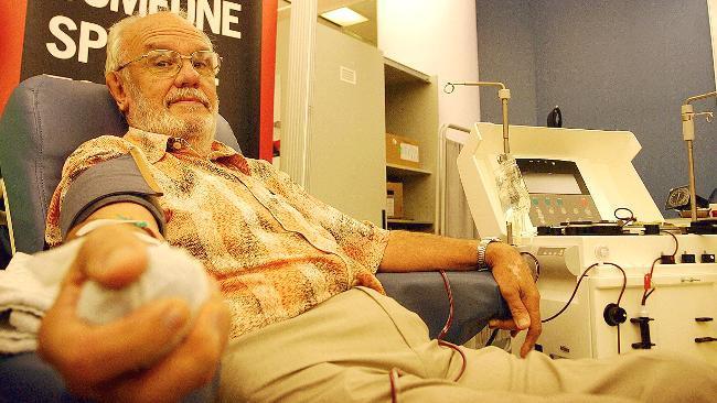 60 năm trời hiến máu, người đàn ông có huyết tương đặc biệt này đã cứu mạng cả triệu trẻ em trên thế giới - Ảnh 3.
