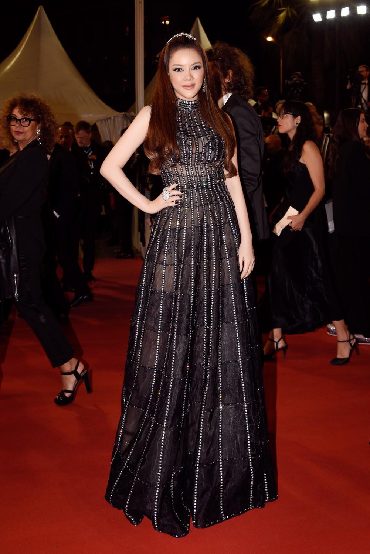 Lý Nhã Kỳ sánh bước cùng minh tinh Marion Cortillard trên thảm đỏ Cannes ngày 5 - Ảnh 4.