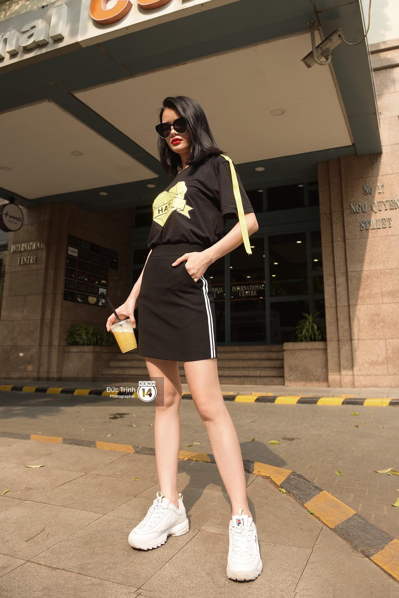Street style giới trẻ Việt: Hà Nội toàn áo 2 dây và xuyên thấu mát mẻ; Sài Gòn vẫn điệp khúc càng ấm càng chất - Ảnh 7.
