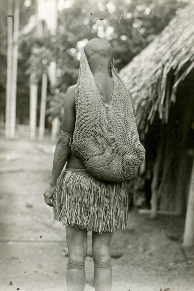 Ngày của mẹ, ngắm những bức ảnh về mẹ đẹp nhất trong suốt 100 năm qua - Ảnh 13.