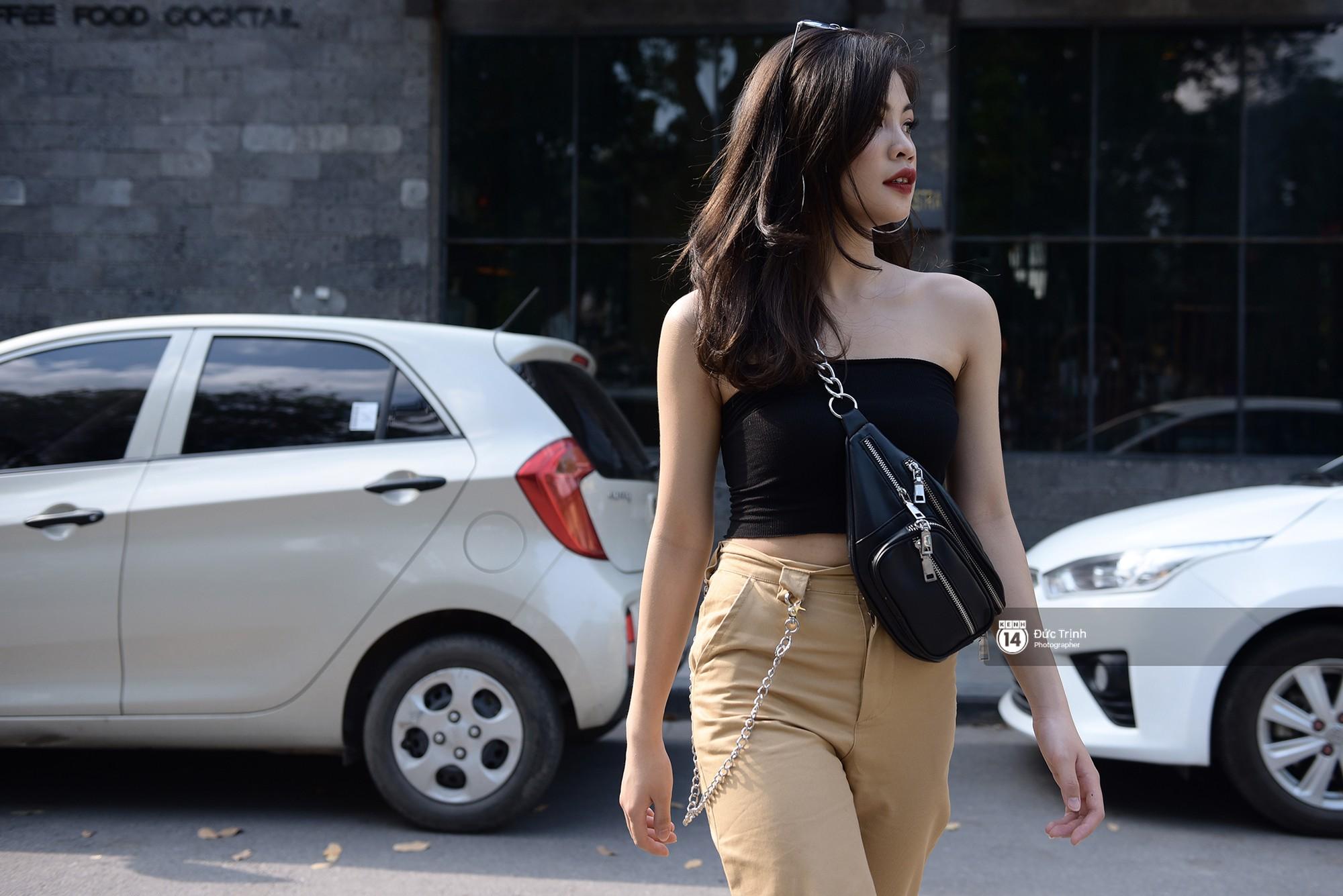 Street style giới trẻ Việt: Hà Nội toàn áo 2 dây và xuyên thấu mát mẻ; Sài Gòn vẫn điệp khúc càng ấm càng chất - Ảnh 4.