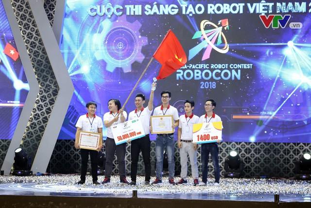 Không quá bất ngờ, đại học Lạc Hồng chính thức vô địch Robocon Việt Nam lần thứ 8! - Ảnh 2.