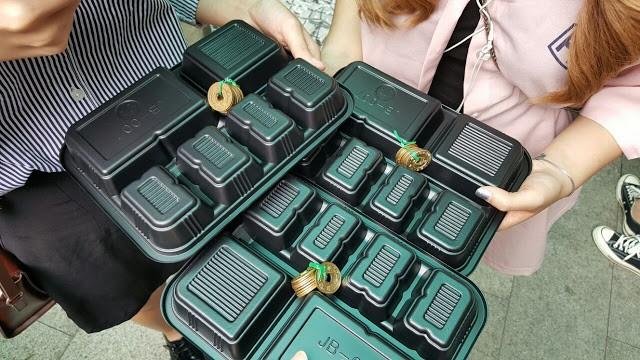 Khám phá ẩm thực khu chợ Tongin, mua món ăn bằng đồng xu cổ của Hàn Quốc - Ảnh 2.