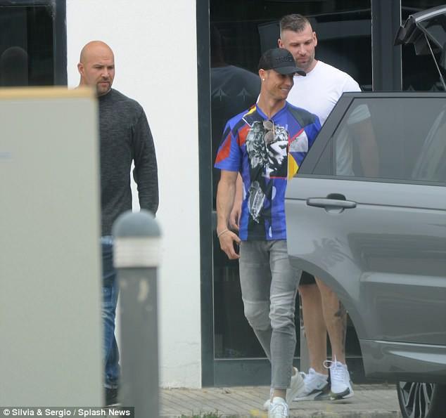Ronaldo đưa Georgina đi nghỉ dưỡng sau nghi vấn đính hôn - Ảnh 5.