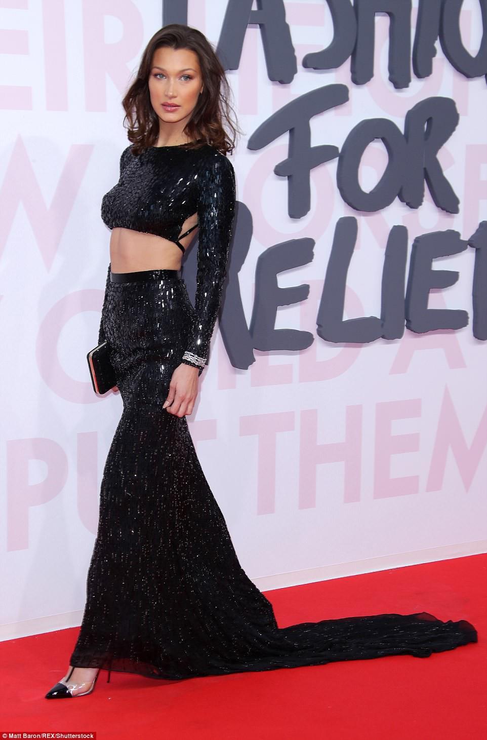 Cuộc chiến nhan sắc tại Cannes: Paris Hilton U40 vẫn đẹp như công chúa, Kendall khoe chân dài quá sexy - Ảnh 8.