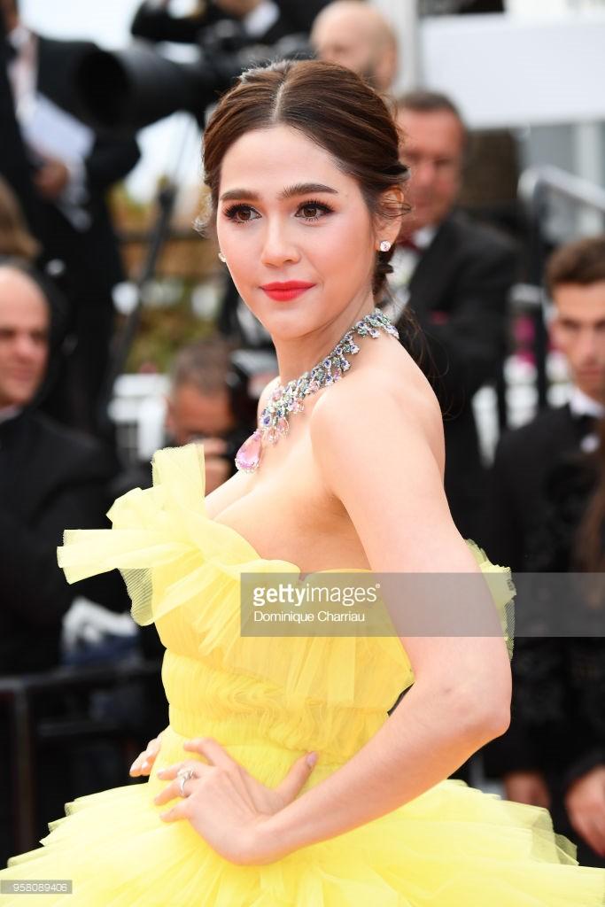 Thảm đỏ LHP Cannes: Cổ Lực Na Trát hở ngực gợi cảm nhưng bị loạt mỹ nhân châu Á khác át vía - Ảnh 13.