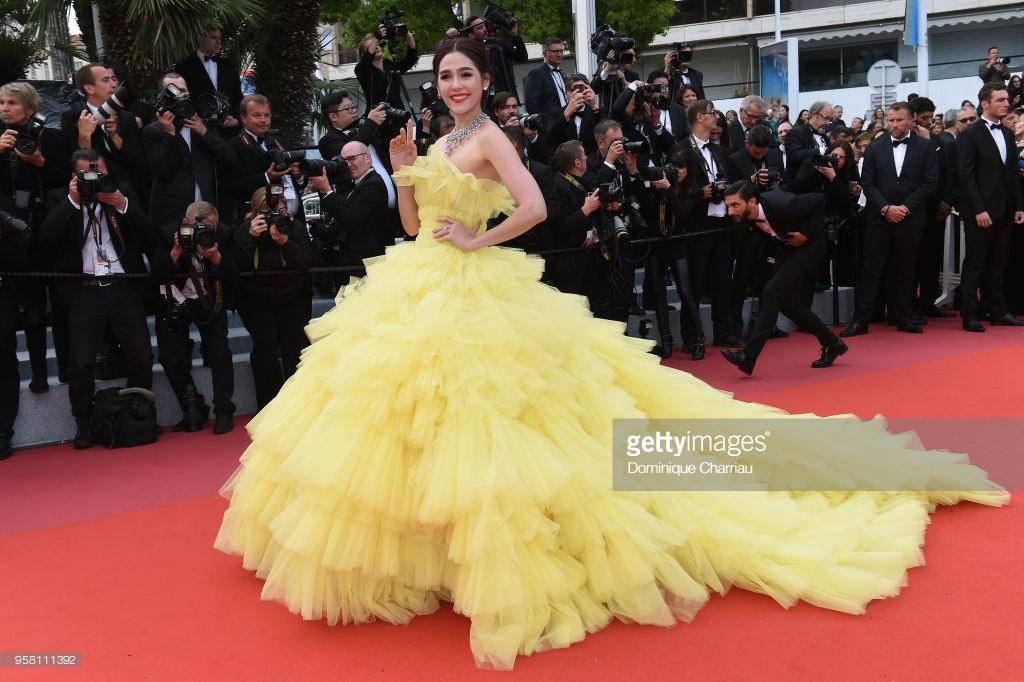 Thảm đỏ LHP Cannes: Cổ Lực Na Trát hở ngực gợi cảm nhưng bị loạt mỹ nhân châu Á khác át vía - Ảnh 9.