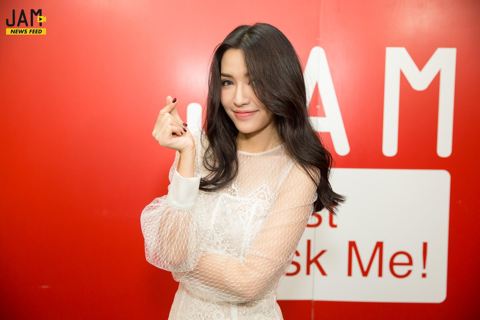 Bích Phương lần đầu lên tiếng về việc ra mắt sản phẩm cùng thời điểm với Sơn Tùng M-TP - Ảnh 1.