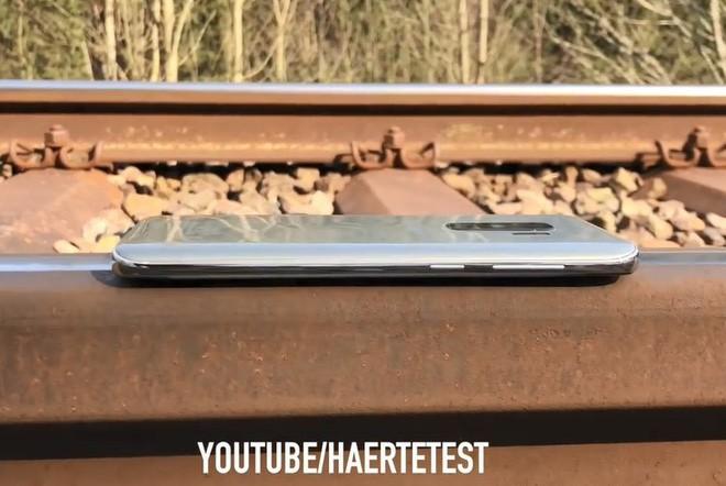 Để Galaxy S9 Plus dưới đường ray tàu hỏa và cái kết không thể đau lòng hơn - Ảnh 2.