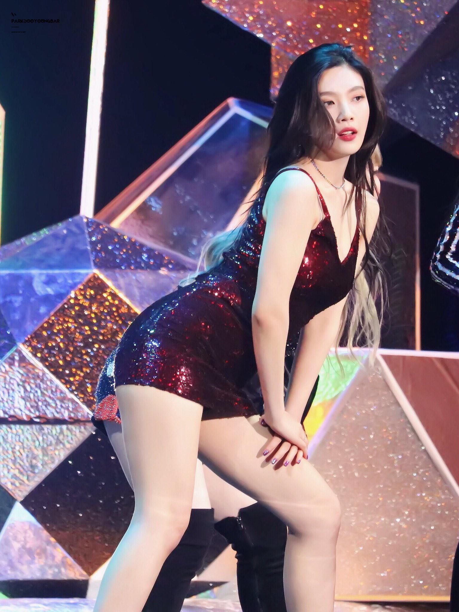 Được biết đến với hình ảnh ngọc nữ nhưng các idol này cũng có những lần sexy đến nghẹt thở - Ảnh 26.