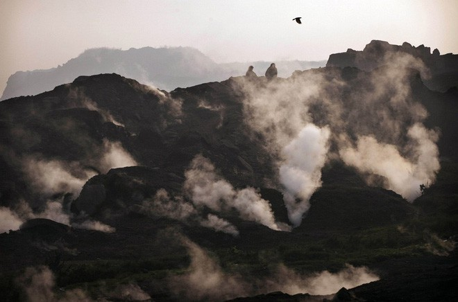 Ngọn lửa bất tử 6.000 năm âm ỉ cháy không tắt: Khoa học cảnh báo hiểm họa khôn lường - Ảnh 3.