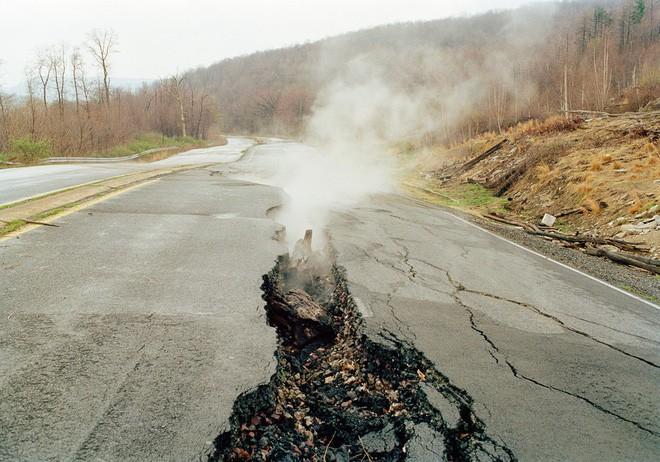Ngọn lửa bất tử 6.000 năm âm ỉ cháy không tắt: Khoa học cảnh báo hiểm họa khôn lường - Ảnh 4.