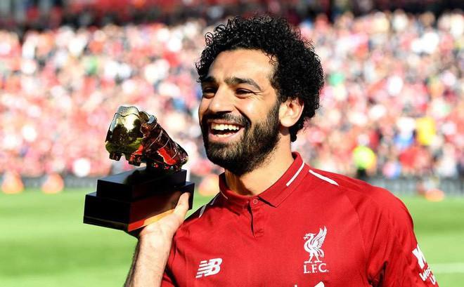 Lộ diện kẻ đánh cắp màn vinh danh dành cho Mohamed Salah ngay tại Anfield - Ảnh 1.