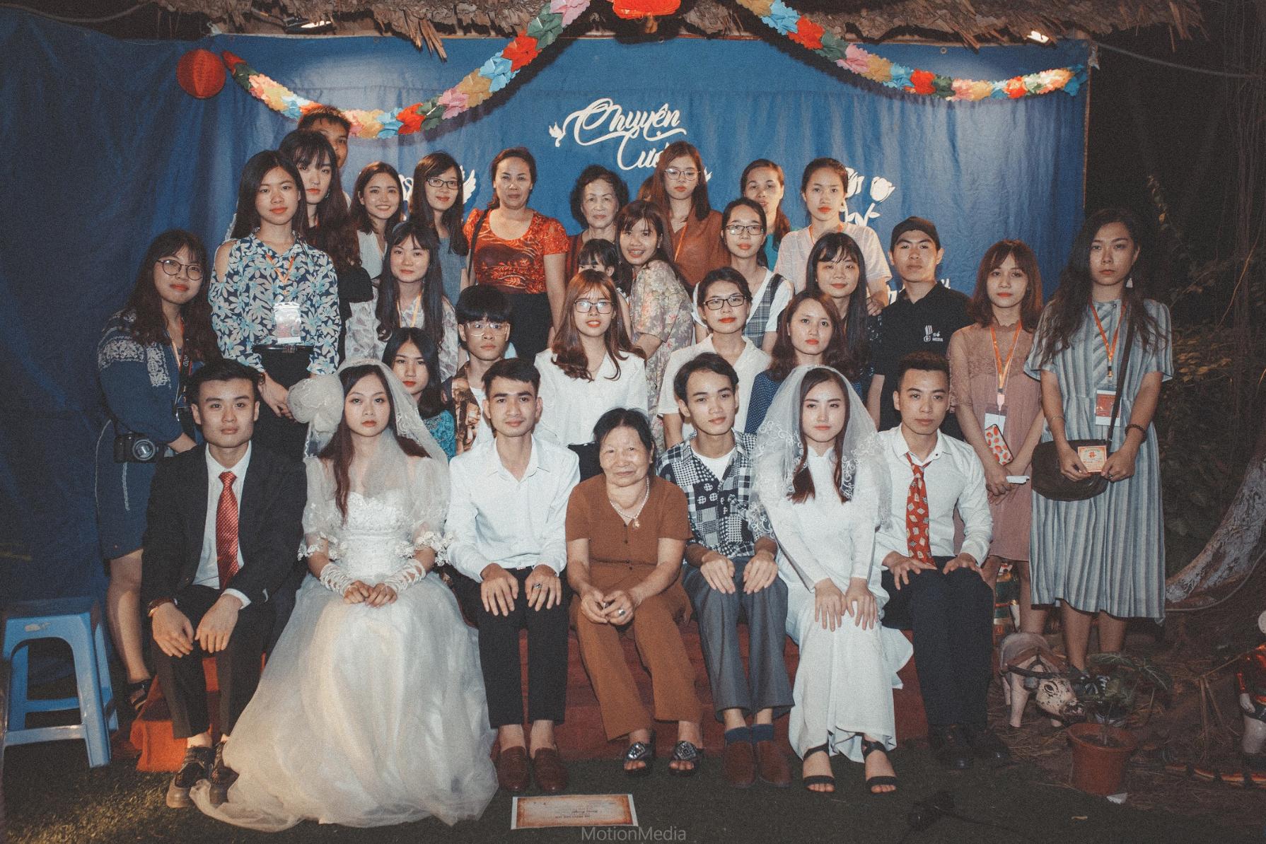 Sinh viên báo chí tổ chức triển lãm không gian cưới thập niên 80s, 90s ngay giữa lòng Hà Nội - Ảnh 11.