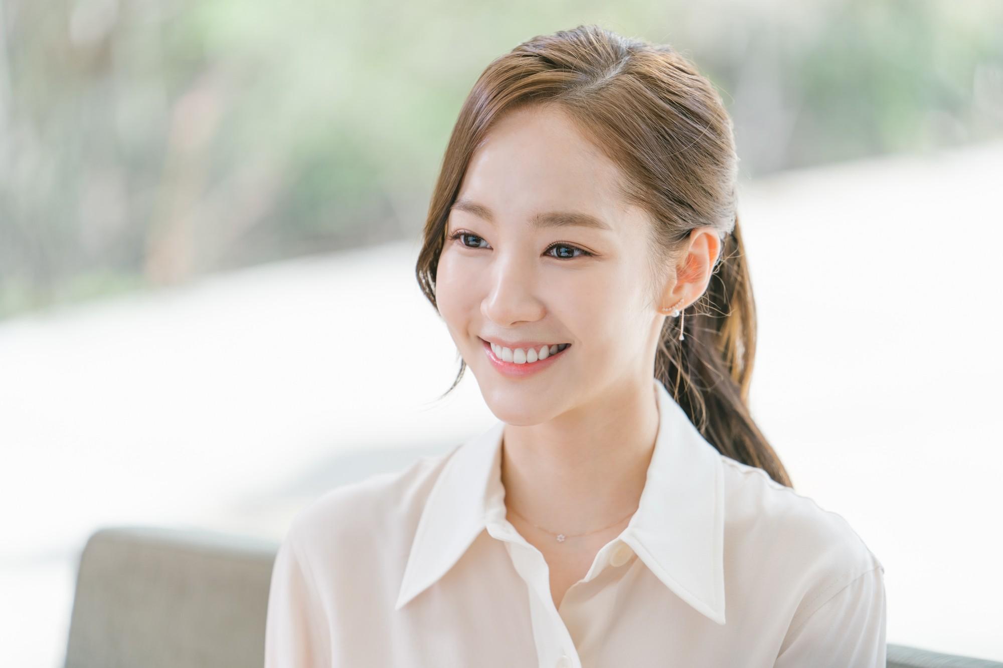 Còn lâu mới chiếu, phim mới của Park Seo Joon - Park Min Young đã gây sốt vì thời trang quá đẹp - Ảnh 16.