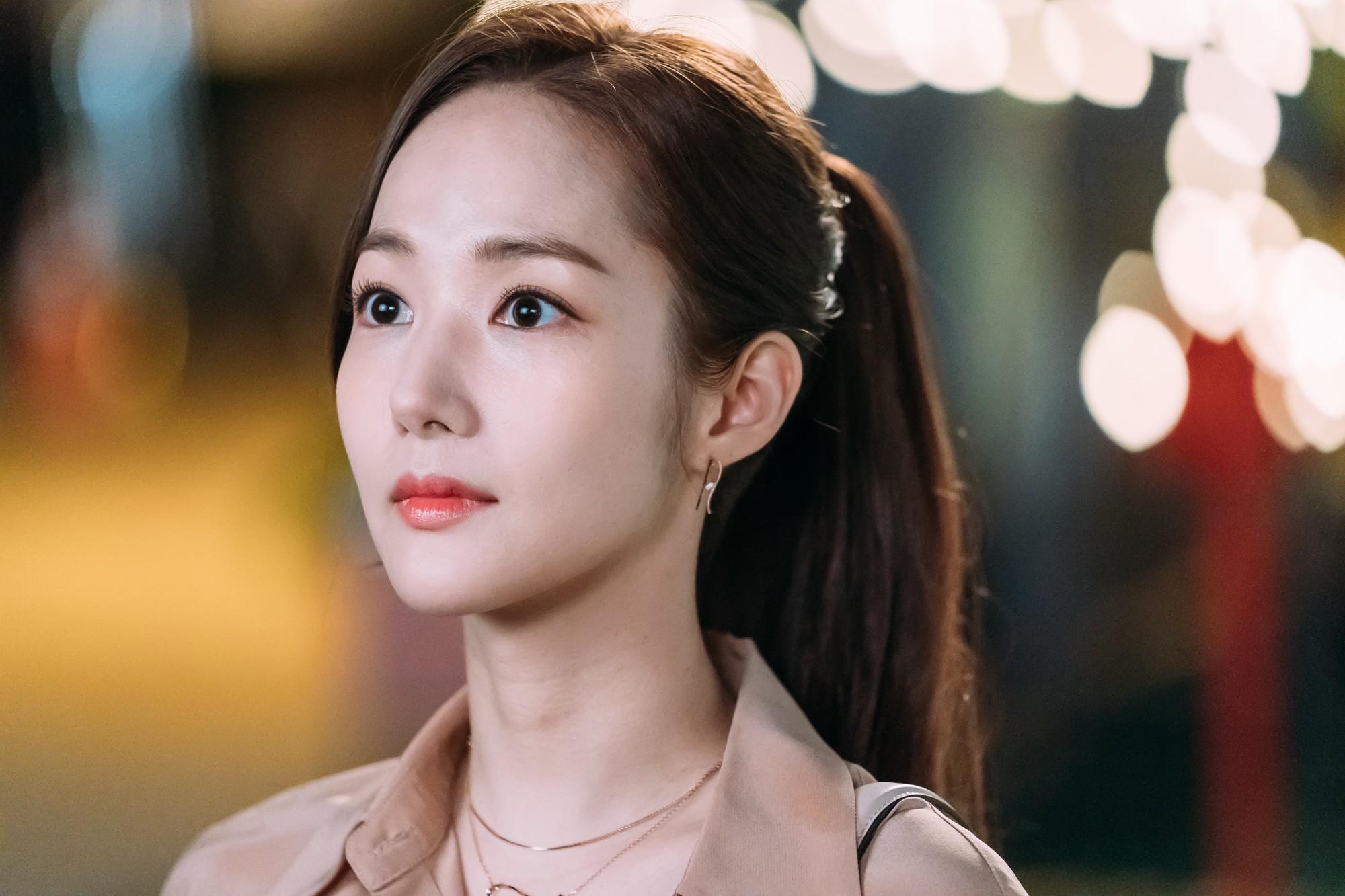 Còn lâu mới chiếu, phim mới của Park Seo Joon - Park Min Young đã gây sốt vì thời trang quá đẹp - Ảnh 17.