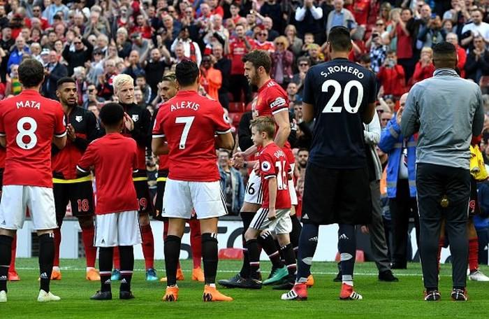 Chiến binh vĩ đại Carrick trải lòng mình trong ngày chia tay Old Trafford