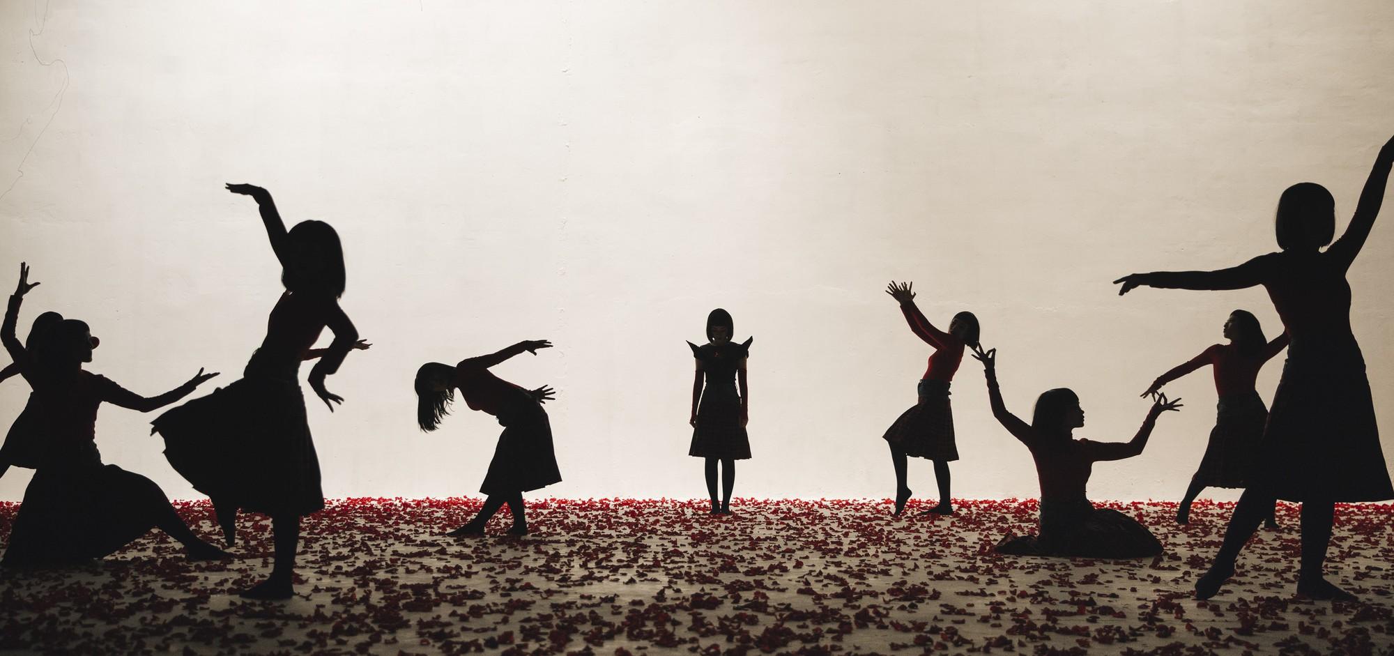 Chi Pu tung MV Dance lạ mắt với vũ đạo độc đáo, thực hiện 2 phiên bản cho sản phẩm trở lại - Ảnh 6.