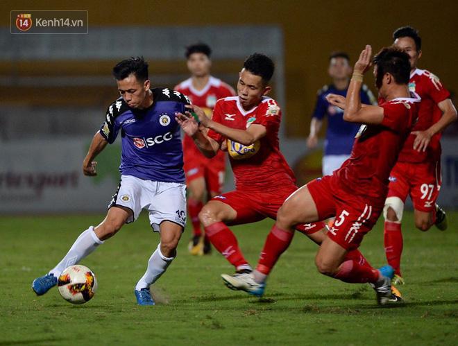 Hà Nội FC nghẹt thở loại HAGL khỏi Cúp Quốc gia với pha ghi bàn bằng lưng - Ảnh 4.