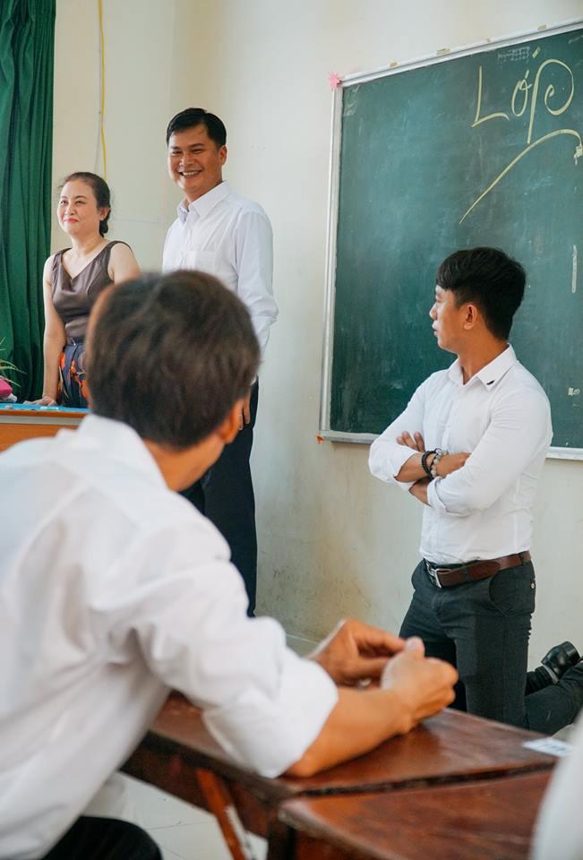 Bộ ảnh kỷ yếu đặc biệt: 20 năm sau ngày ra trường, cả lớp vẫn họp mặt với gần đủ sĩ số! - Ảnh 12.