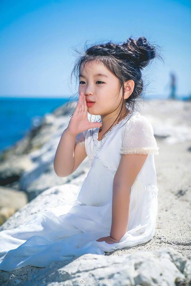 Không phải Phạm Băng Băng, Aralei Thôi Nhã Hàm mới là người khiến netizen Hoa ngữ  'đứ đừ' khi khoe dáng tại Cannes
