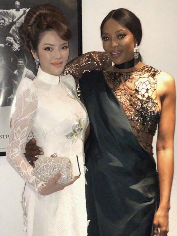 Cuối cùng Lý Nhã Kỳ cũng đưa tà Áo dài truyền thống Việt Nam xuất hiện nổi bật trên thảm đỏ Cannes ngày thứ 7 - Ảnh 13.