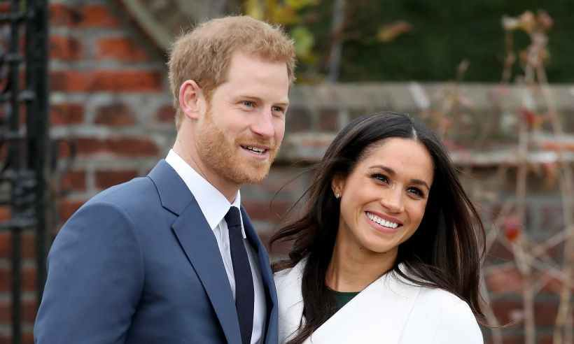 Không thể ngờ đây là món quà cho đám cưới hoàng gia: từ nhẹ nhàng áng thơ đến nặng chịch... 1 tấn than bùn! - Ảnh 16.