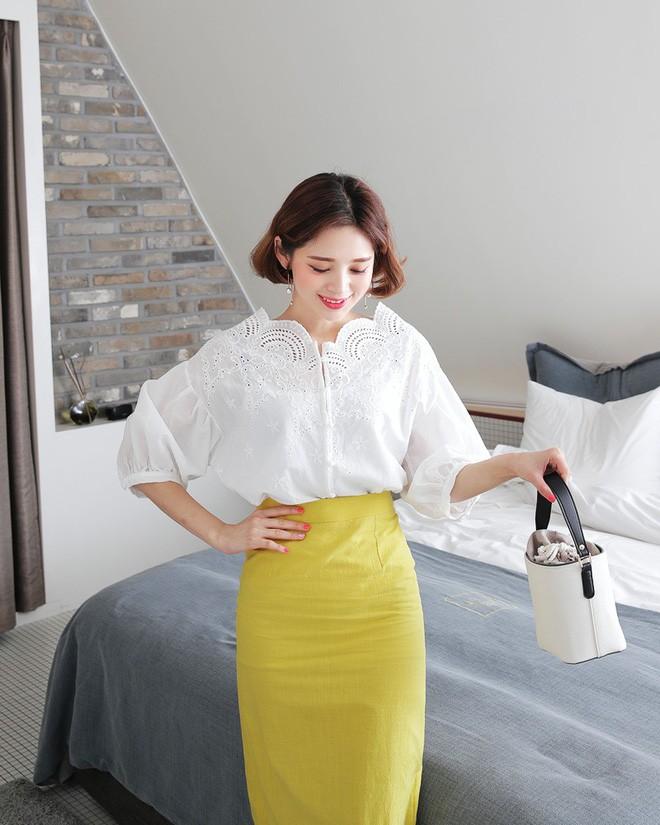 5 kiểu váy áo vừa mát vừa xinh giúp các nàng giấu nhẹm bắp tay to, tha hồ tung tăng bất chấp trời nắng nóng - Ảnh 3.