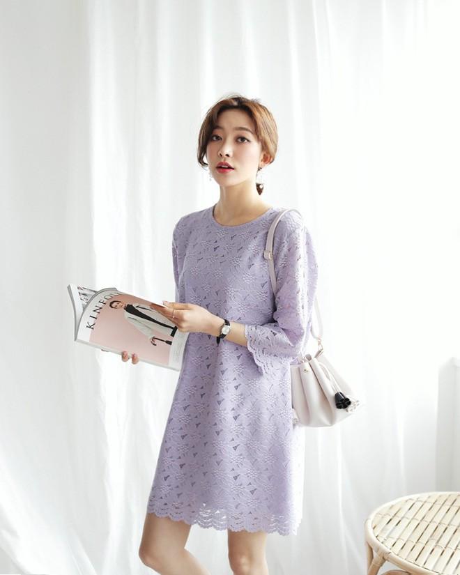 9 gợi ý mặc đồ với chất liệu ren mỏng mát cho nàng công sở những ngày trời nắng nóng - Ảnh 4.