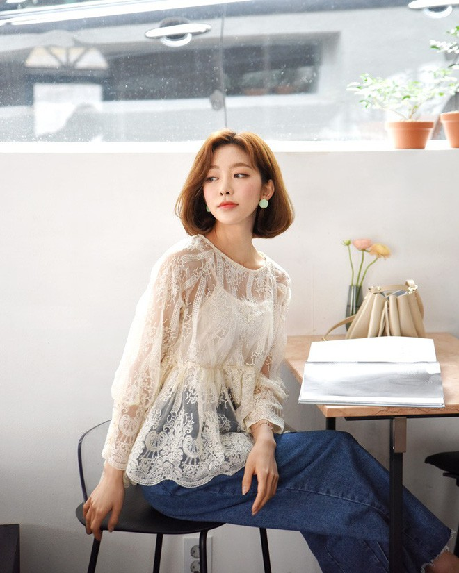 9 gợi ý mặc đồ với chất liệu ren mỏng mát cho nàng công sở những ngày trời nắng nóng - Ảnh 5.