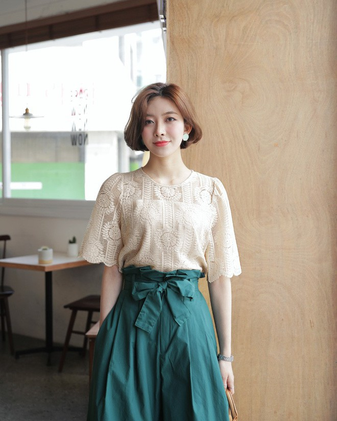 9 gợi ý mặc đồ với chất liệu ren mỏng mát cho nàng công sở những ngày trời nắng nóng - Ảnh 6.
